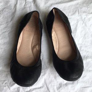 Vince Camuto black ballet flats